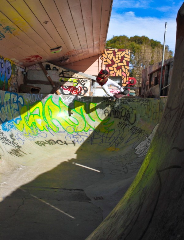 """Met Chris """"Rat Face"""" Jatoft in the sesh and he brought good energy and this Feeble to Fakie"""