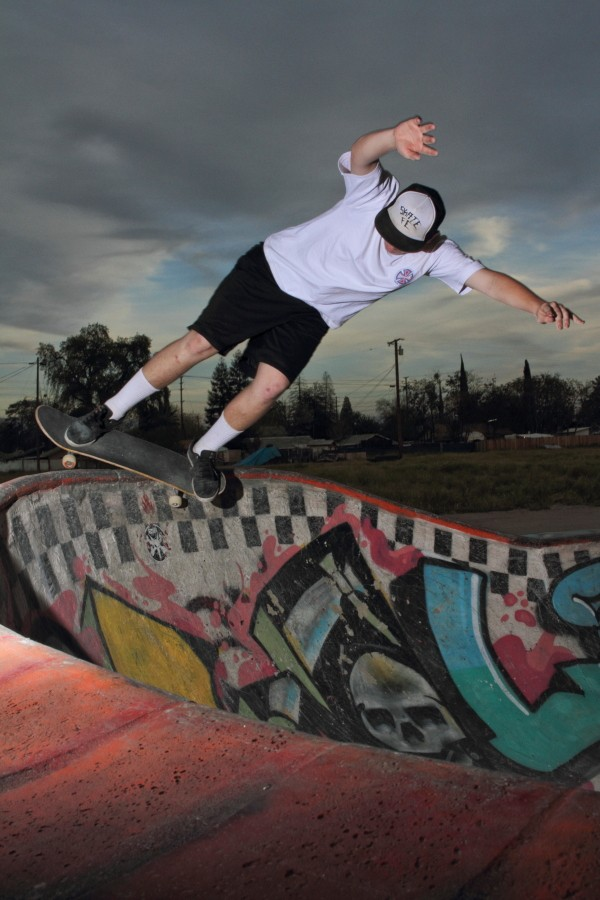 Ethan Ford - Feeble Around the Corner - You build at Skate FE you get a hat. Ethan earned it.