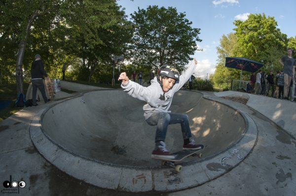 Elvis. Stand up frontside grind. Elvis rules! Photo: Nicola Debernardi.