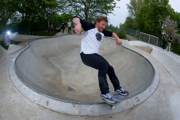 Anders Tellen. Happy 46th birthday smithgrind in the Owl Bowl.  Photo: J. Hay