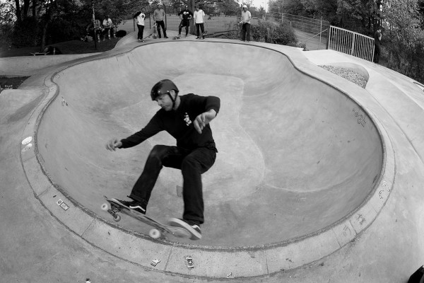 Dietches. Frontside grind the shallow deepend of the Owl Bowl.  Photo: J. Hay