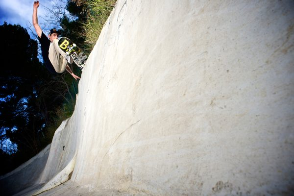 Frontside layback grind. Photo: Loïc Benoit