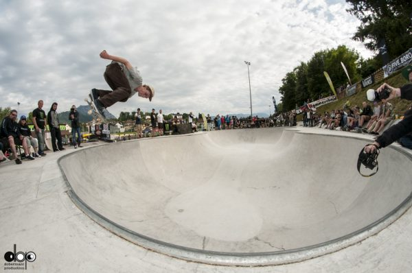 David Bachl. Backside air.