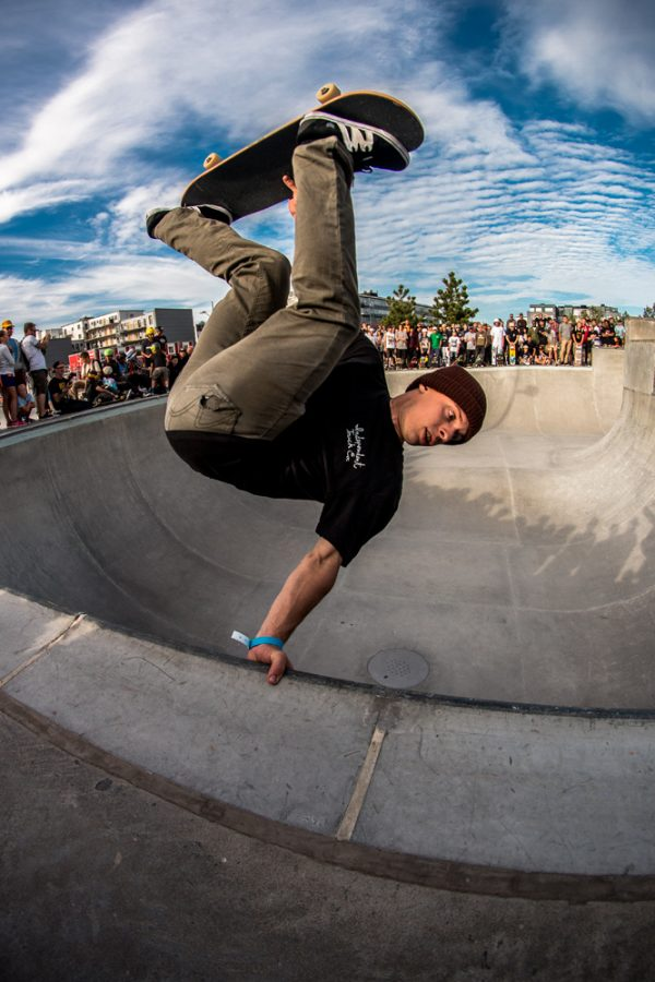 Frank Shaw. Frontside invert shortly before he had a collision and ruptured his spleen. Photo:  Amin Olve Klungseth Ullah