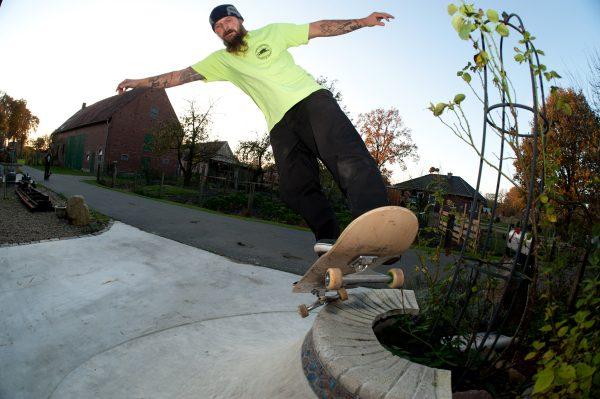 Matt Grabowski. Pivot on the volcano.  Photo: Pudi
