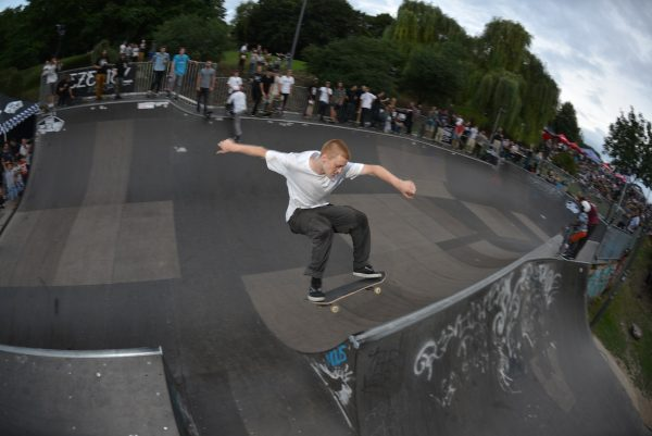 Eumel Tim. Channel transfer 5-0 grind to fakie.