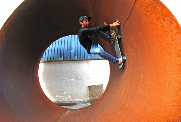 Pipe ride to fakie.