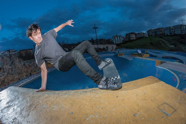 Alex Mosterin. Layback tailslide. Photo: Jaime Marcos