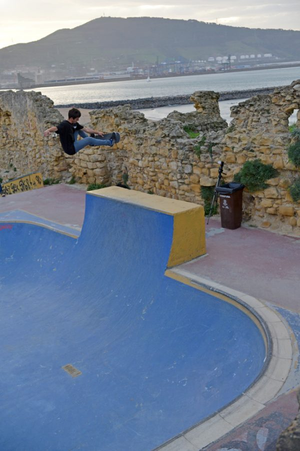 Sergio Cadenas. Nose bone. Photo: J. Hay