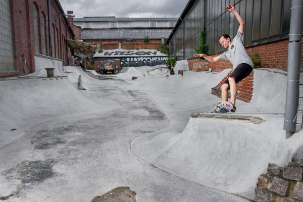 Wojtek Pastuszak at Mister Wilson's latest outdoor spot, diy spot, skatepark?