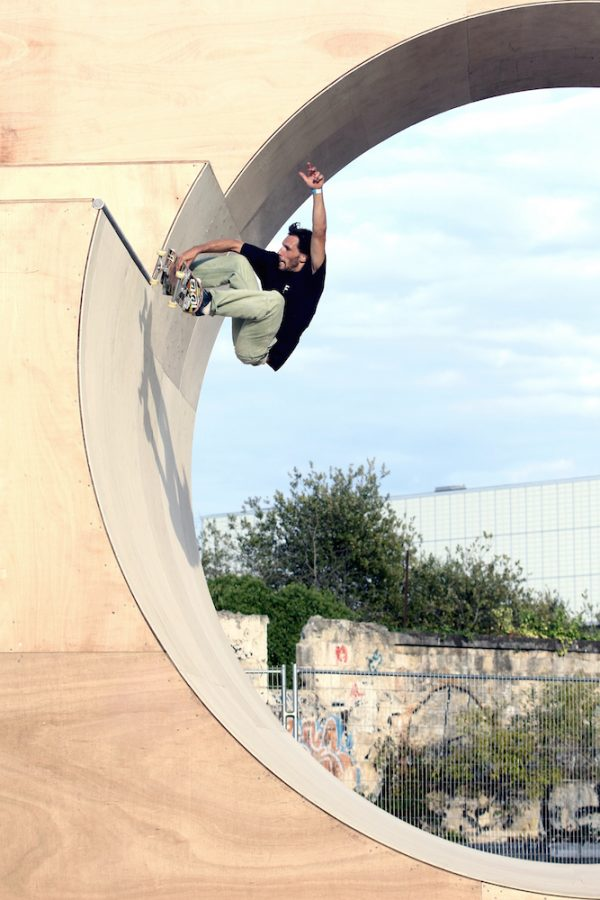 Ale frontside air