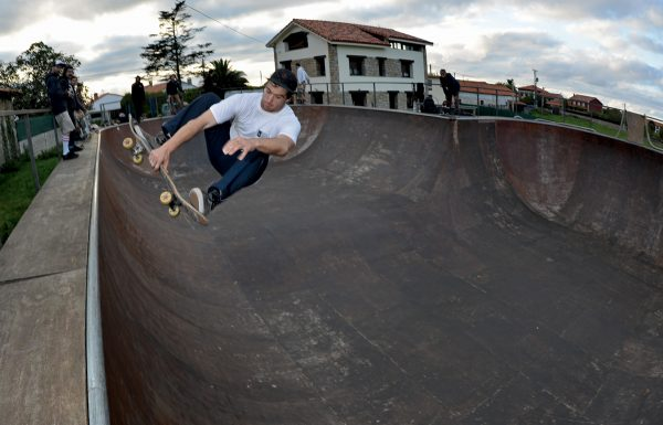 Aitor Peréz. Frontside air.