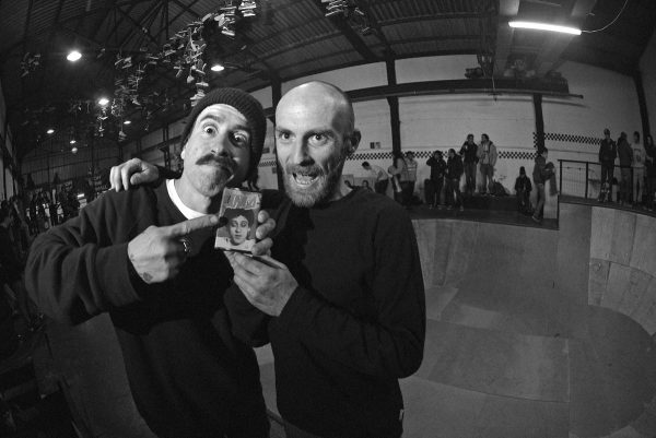 Captain Jairon with a JMA cassette for Jerson from Madrid for one of the best tricks during the session.