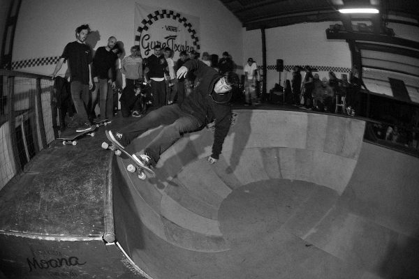 David Sanchez. Old school injury set up, with a high speed frontside stand up grind in the deepend.