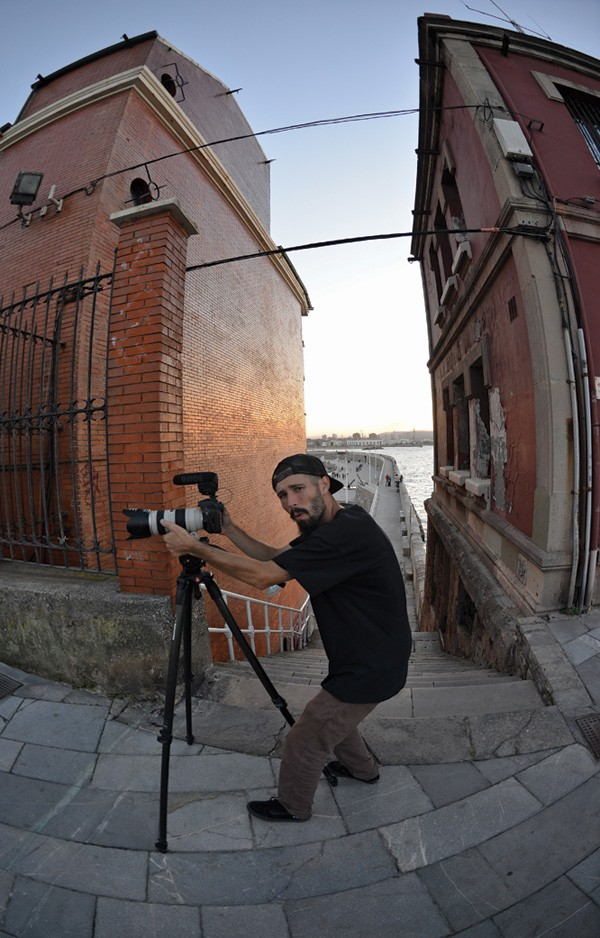 "Videography extraordinaire, the man behind the BASQUE CARAVAN TOUR, Alberto ""Sket"" Scattolin in action in Gijón."