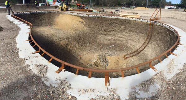 March 8th, 2016. Zutskateparks working on the big bowl in Mimizan.