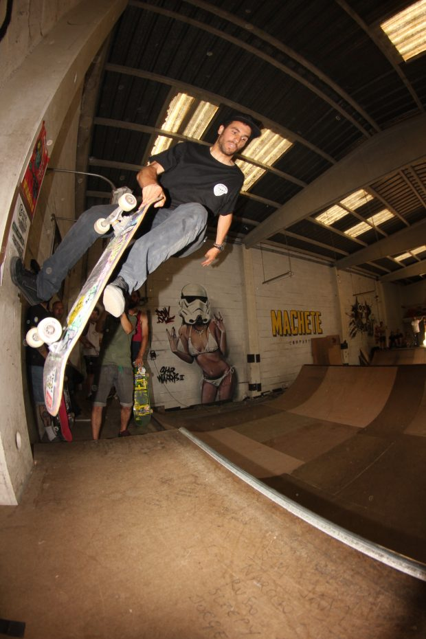 Anxo. Footplant to fakie.