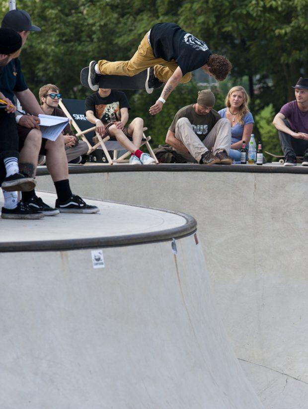 Jaime Mateu. Backside air. Photo: Jo Hempel