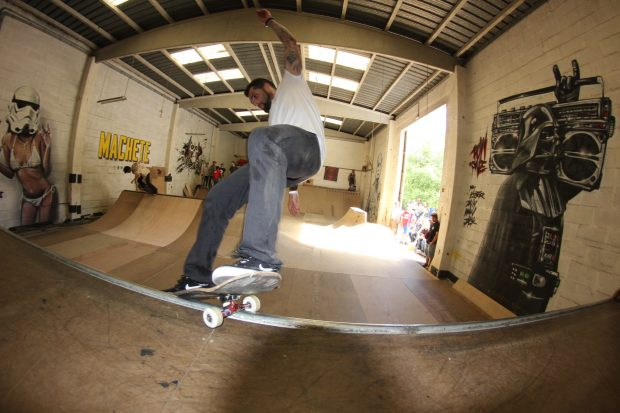 Dhai. Frontside smith.