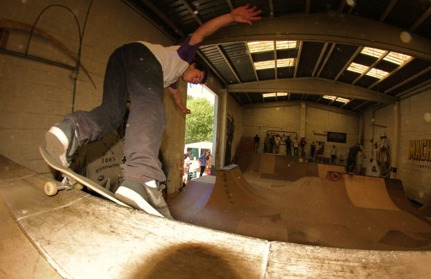 Gelo. Backside smithgrind.