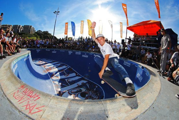 Noah Fuzi. Frontside crailslide. Photo: Borja Casas