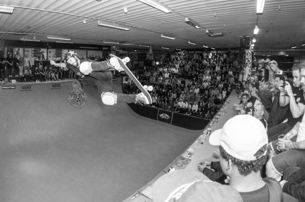 Bucky Lasek. Alley oop backside air