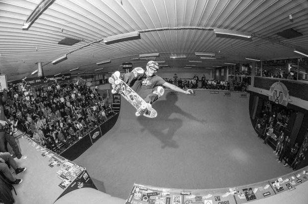 Rony Gomes. Tailgrab over the channel.