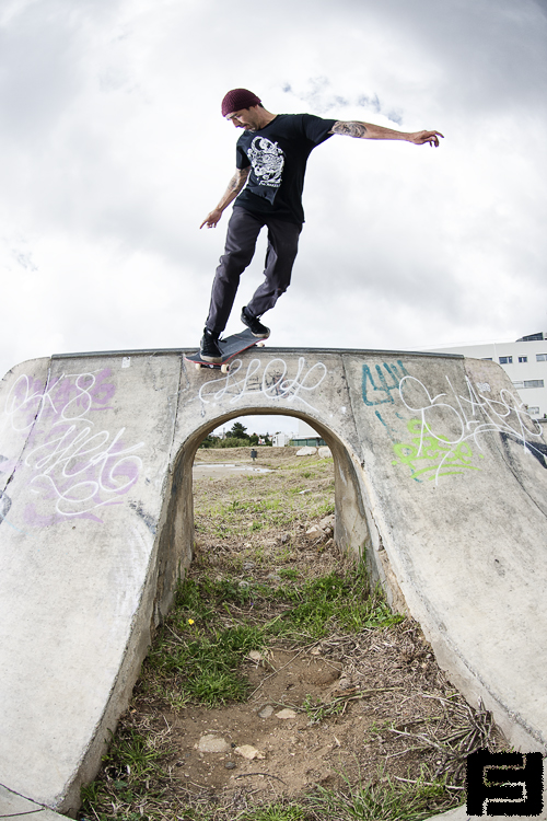Loic Morice. Backside smith. Geracoes.  Photo: Fred Ferand
