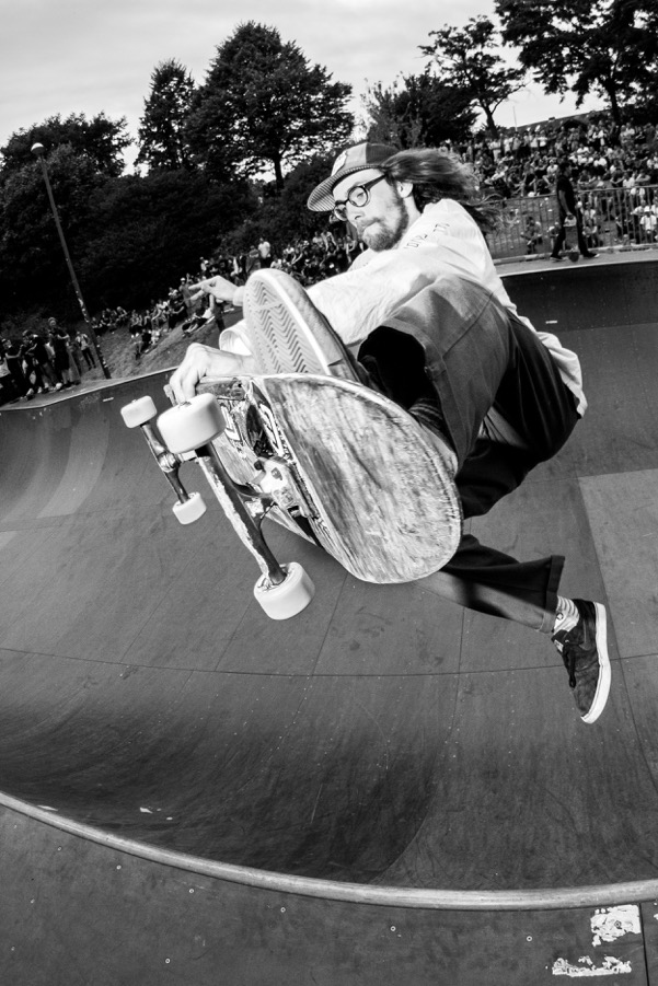 Tom Tieste. Boneless