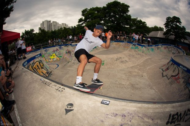 Lenny Jansen. Frontside tailslide. Photo: Gerd Rieger