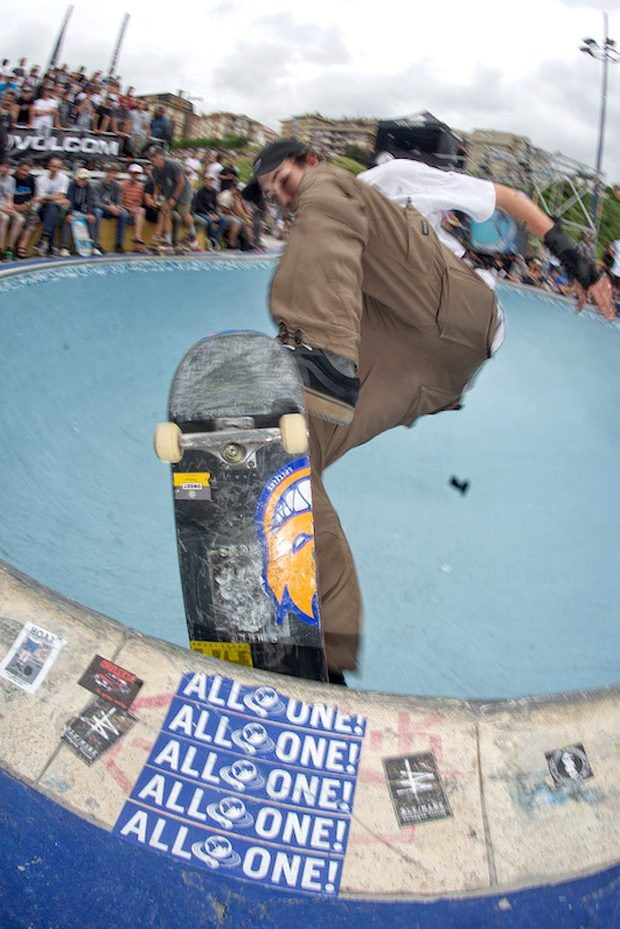 Aron Buzas. Front blunt in the death box for €1000 and winner of the Best Trick contest.