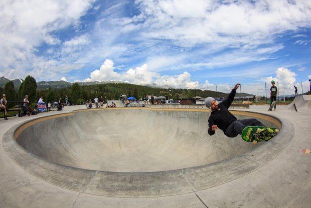 Josh Rodriguez. Frontside grind.