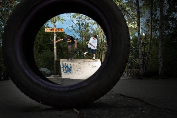Timo Krone and Tobi Reize. Double nose pick.