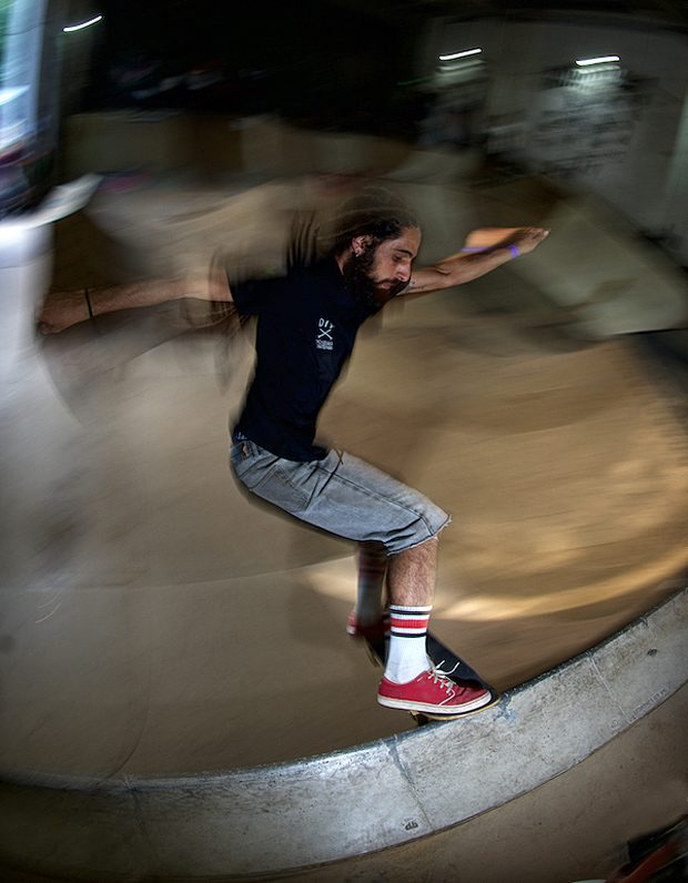 Sam Vila. Frontside tailslide.